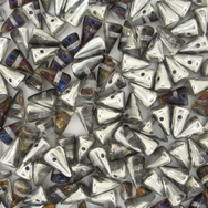 10 x small spikes in Crystal Bermuda (5x8mm)