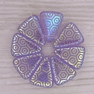 8 x Mauve triangles with laser etched hexagon (18x14mm)