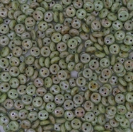 25 x two hole lentils in Alabaster/Green Lustre