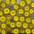 5g x 2.5mm seed beads in Yellow and Black (1950s)