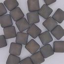 2 x 12mm pyramids in Matt Chalk White/Lila Vega Lustre
